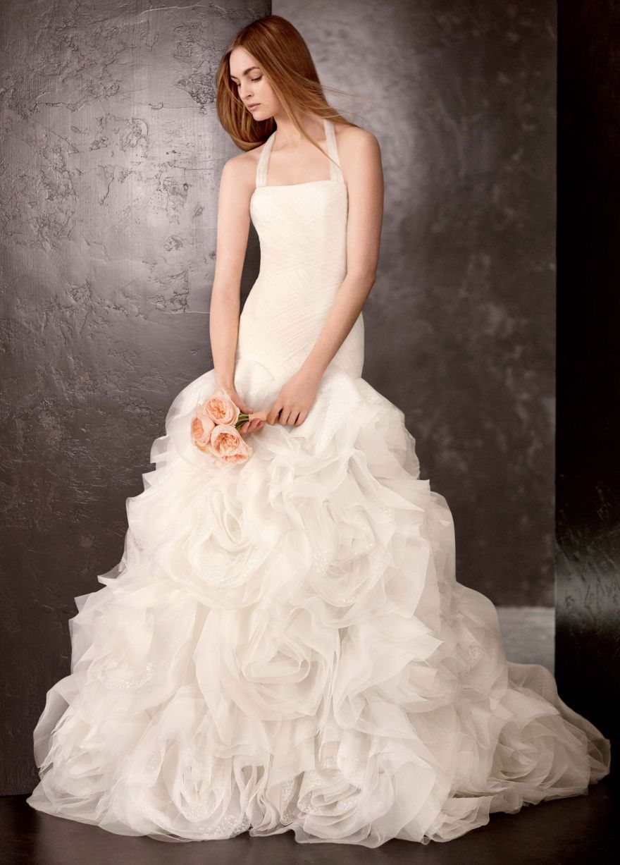 Love the simple, classic elegance mixed into this ethereal gown ...