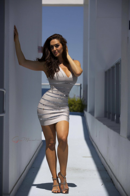 gia darling in sexy dresses photos
