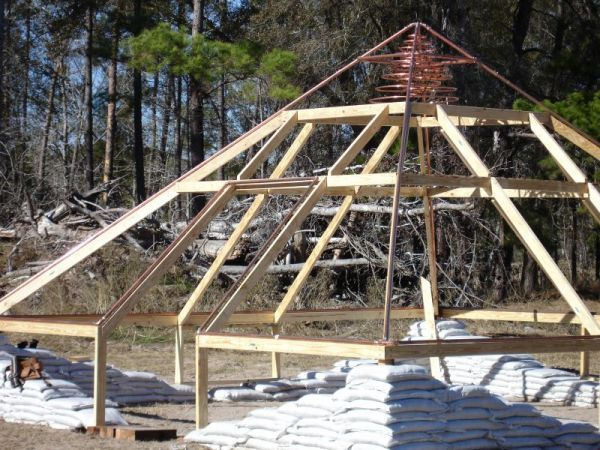 how to build a pyramid roof