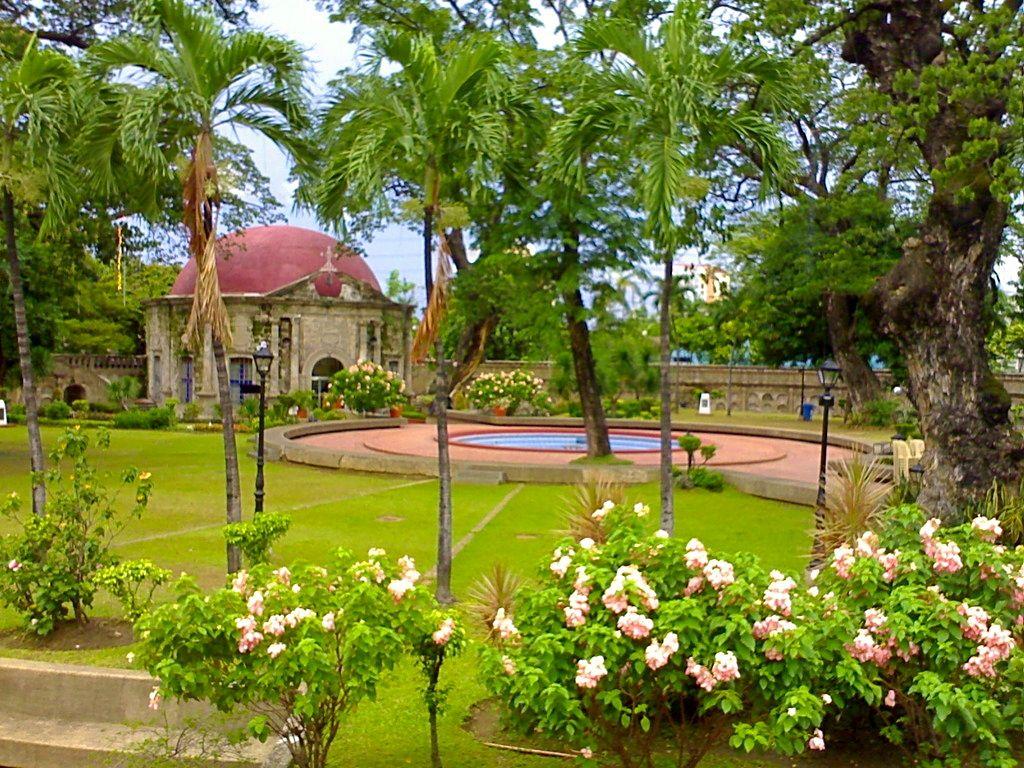 Park Als Tuin : Paco park garden and st. pancratius chapel the view pinterest