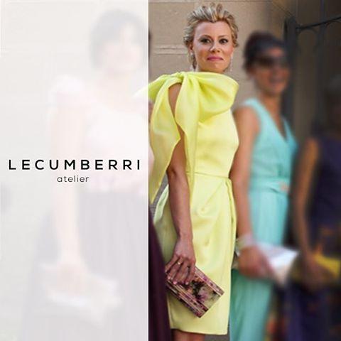 a1eeed4e7 Vestido en satén y organza amarillo con lazo en el hombro.   lecumberriatelier…