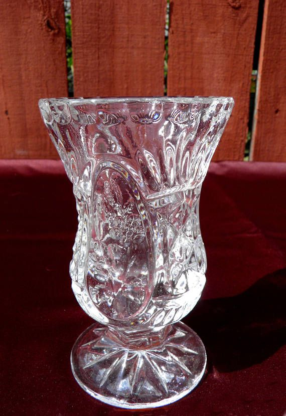 Small Crystal Glass Bud Vase Starburst Pedestal Footed Base Items