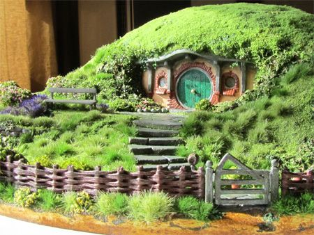 can we diy a hobbit house dang now i really wanna try to make one - Lord Of The Rings Hobbit Home