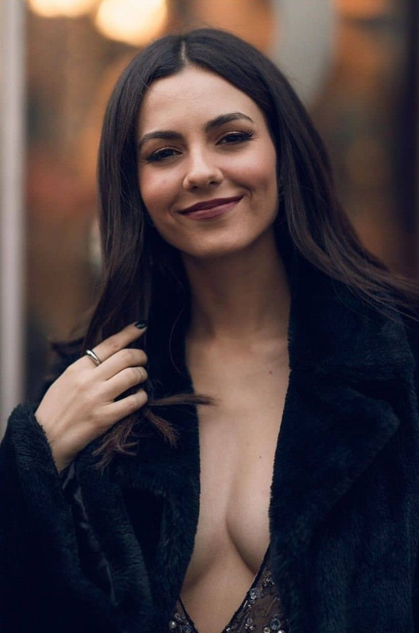 Victoria Justice Is So Freaking Hot Victoria Justice Bikini Victoria Justice Victoria
