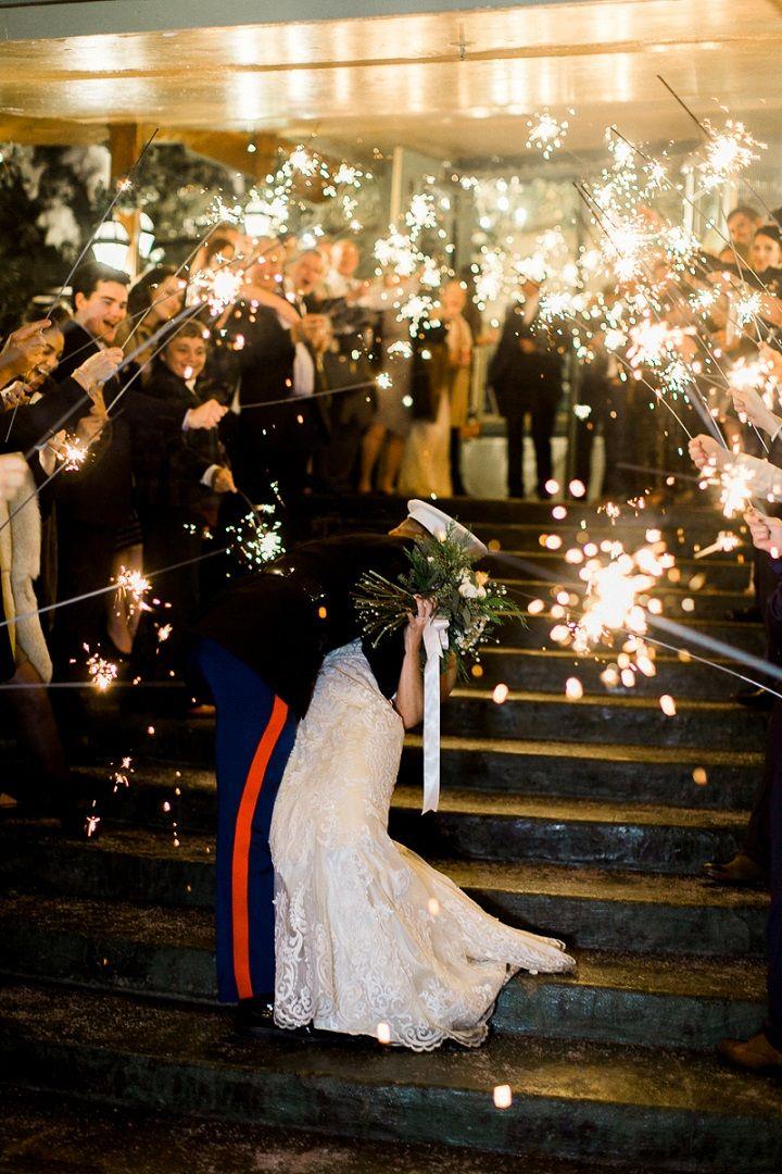 Wedding send off bride and groom wedding photo must #wedding #sendoff