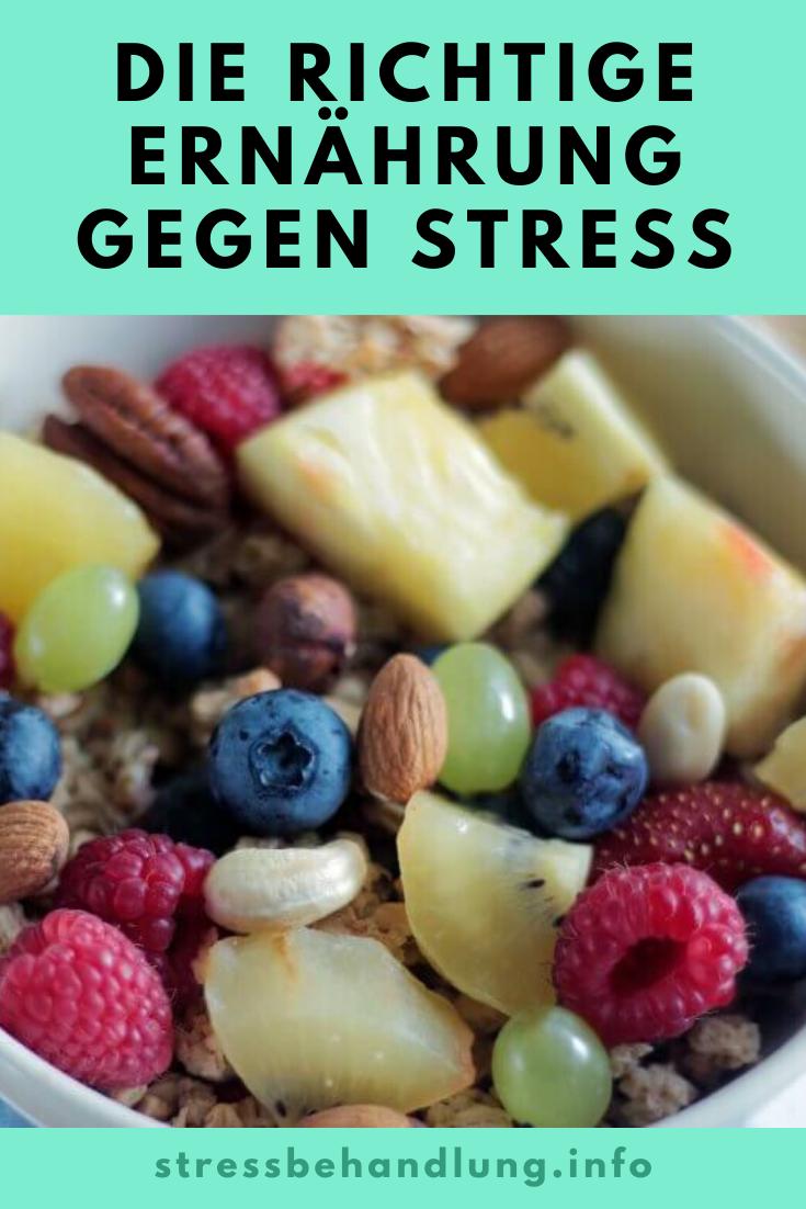 Mit einer abwechslungsreichen und gesunden Ernährung wappnest Du Dich im Alltag gegen stressige Situationen und deren Folgen.