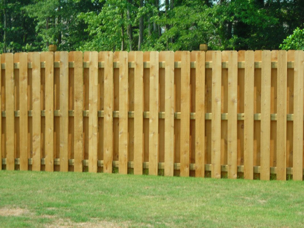 Best Shadow Box Fence Ideas On Pinterest Privacy Fences - 5 backyard fence types