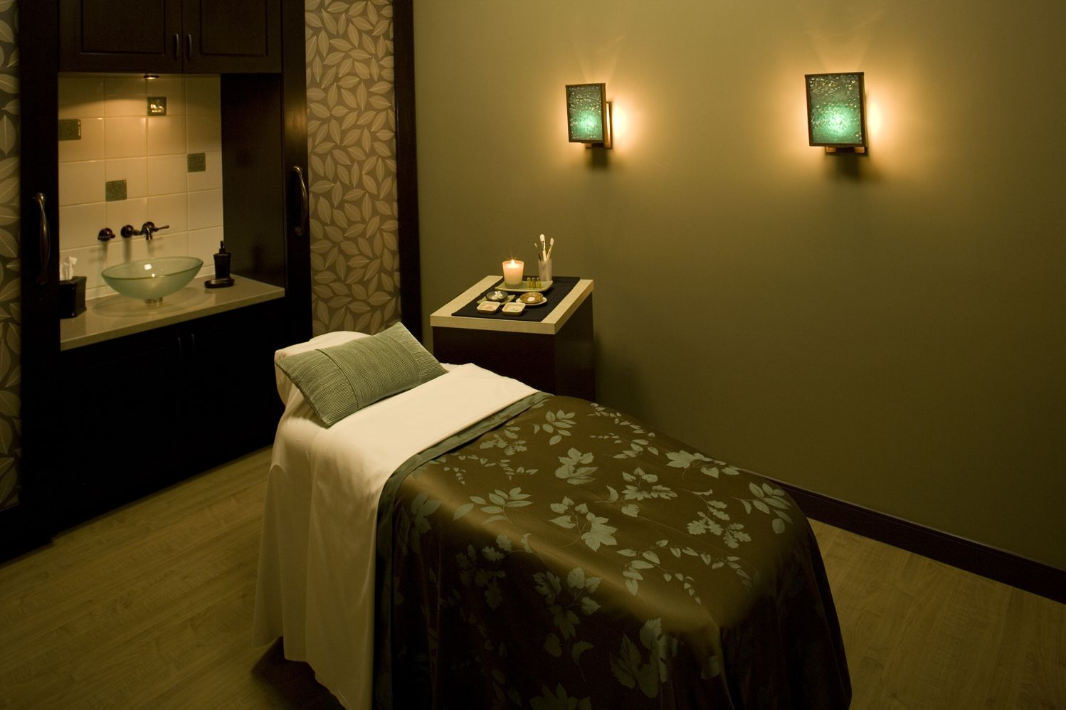 Spa Room Design Ideas Part - 21: Esthetician Treatment Room | ... Group Cosmetic Surgery + Skin Spa  Announces New Skin