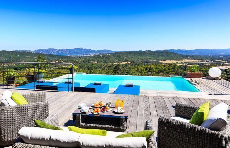 Sublime piscine à Porto Vecchio en Corse Très jolie villa à louer
