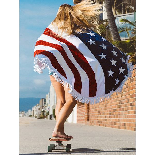 Polychrome American Flag Print Tassel Beach Blanket (420 CZK) ❤ liked on Polyvore featuring home, bed & bath, bedding, blankets, polyester bedding, polyester blanket, tassel bedding, american flag bedding and american flag blanket