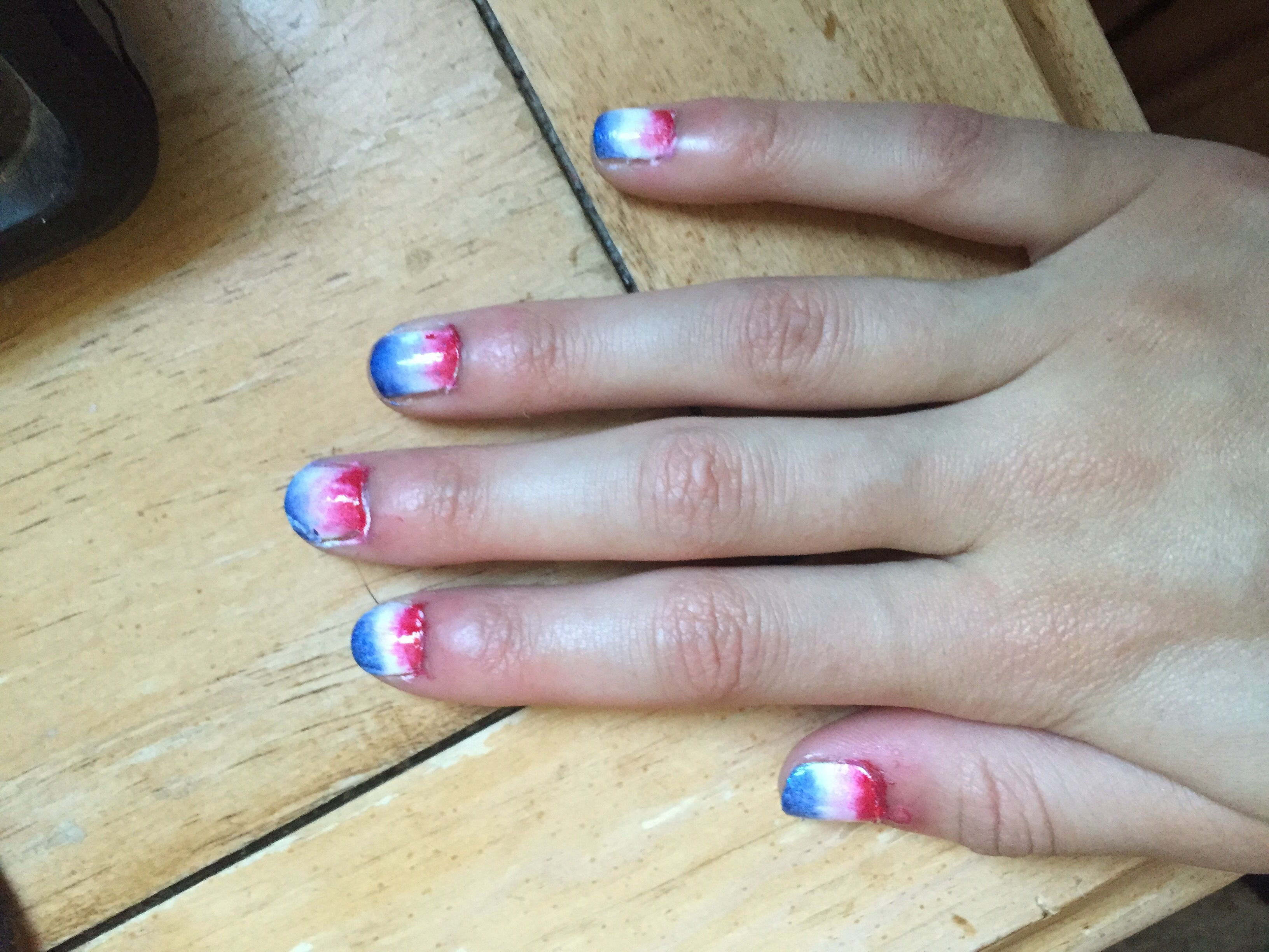 Fun ombré Fourth of July nails