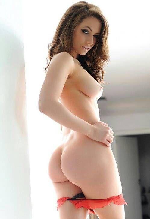Laura dotson nude pics