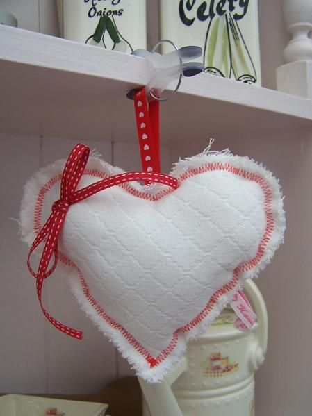 SHABBY CHIC HANGING HEARTS -- try this with an old sweater!