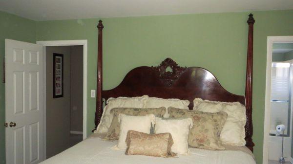 Mahogany Henredon Bedroom Set - $3500 (originally paid ...