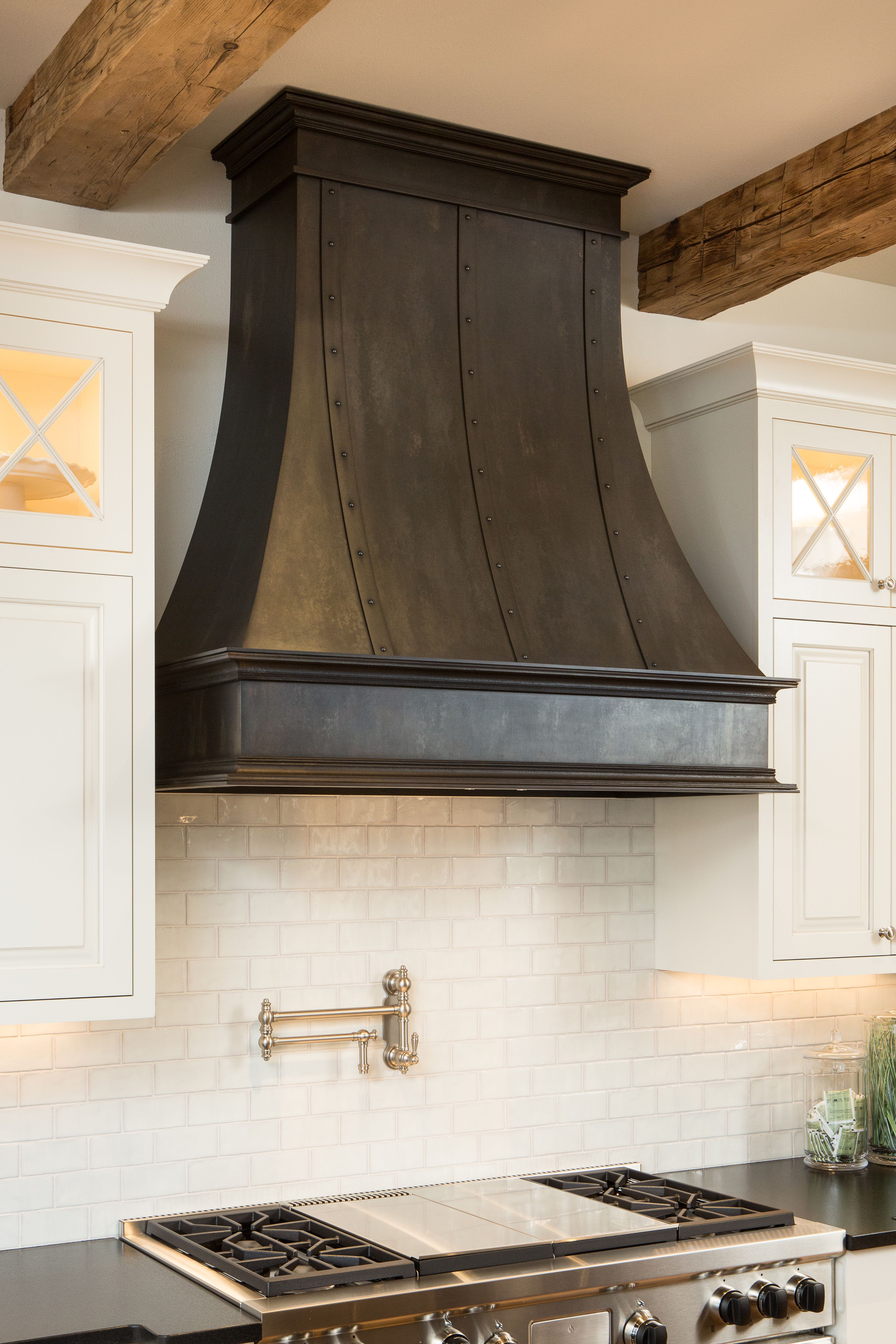 Kitchen Vent Raw Urth S Dark Washed Patina Finish On A Beautiful Montrose Range