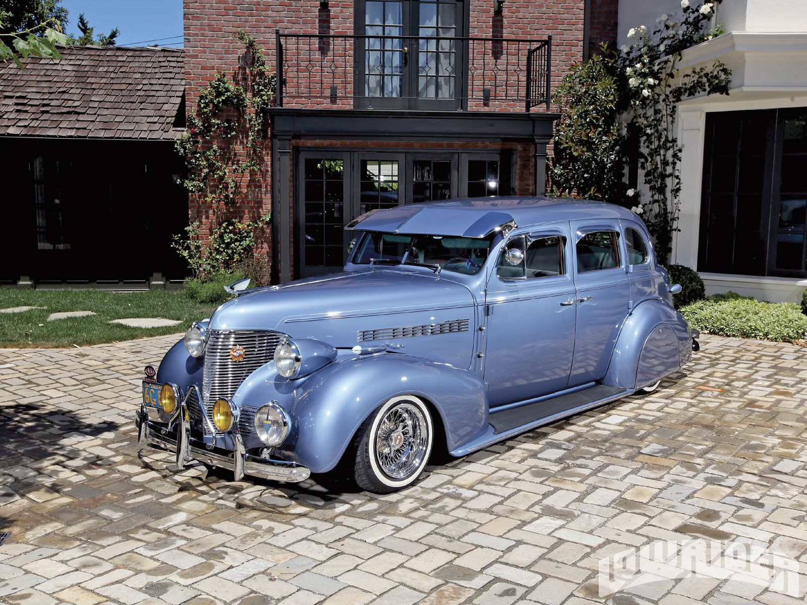 Check out Sylvia Martinez's of the Blvd. Bombs 1939 Chevrolet Master Deluxe. Asi…