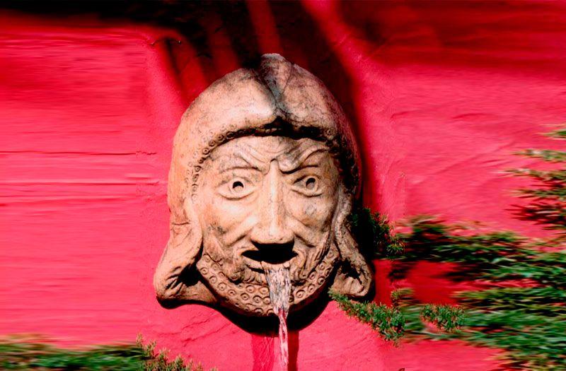 Fuente de pared para jardin o interior. Modelo Mascara Cretense ...
