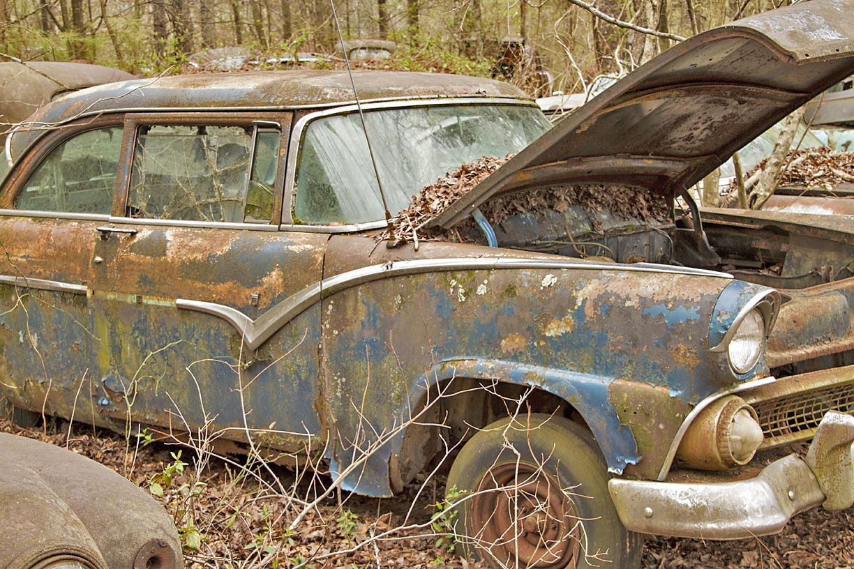 World\'s Largest Old Car Junkyard: Old Car City U.S.A. | Salvage ...