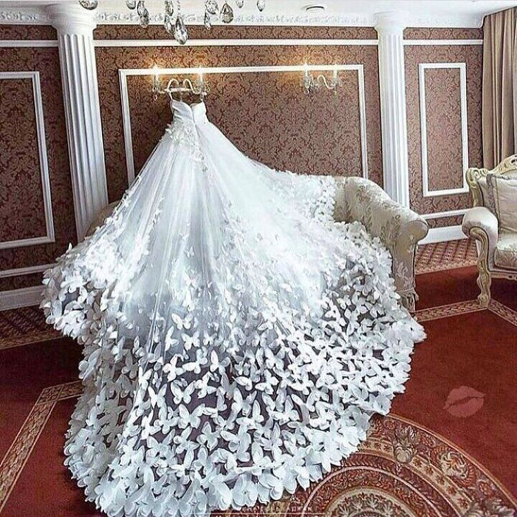 Butterflies Lovers and Dreamers Wedding Gown Such a detailed Dress ...