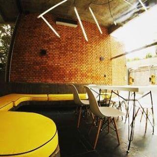 Projeto de reforma OMZ Ideias. @p23arq #p23arq #arquiretura #design #projetocorporativo #agenciadepublicidade #archtecture #interiores #saopaulo #project  #iluminação #iluminaçãoled #led #interiordesign #revistaaec #omzideias #lighting #lightdesign #industrialdesign #splovers #archtecturelovers #sp #decor #archlovers #concretefurniture #yellow #amarelo #yellowfurniture #arquiteturasãopaulo #arquiteturasorocaba #arquiteturasp