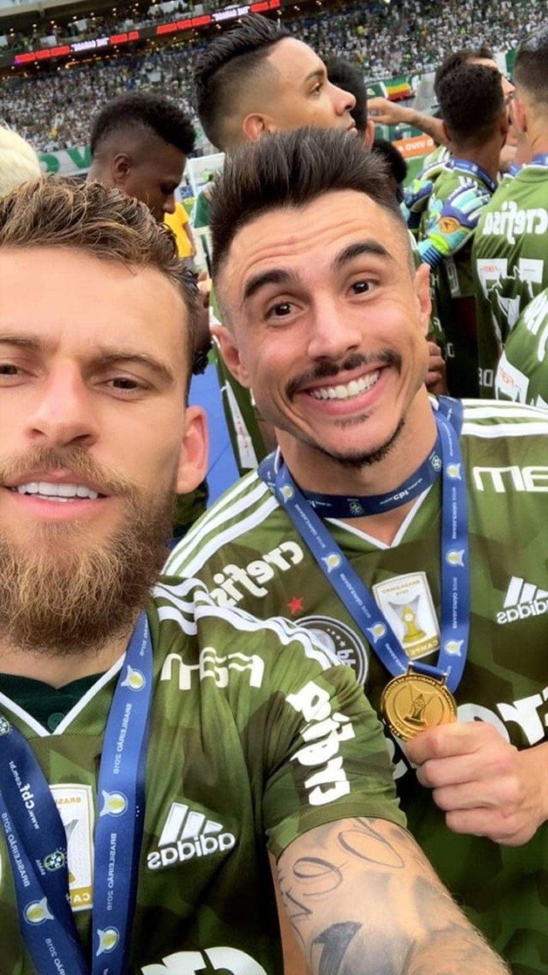 Lucas Lima e Willian bigode Deca campeão  b51103d37a837