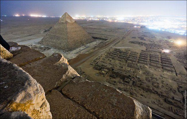 صور رائعة لأهرامات مصر بعدسات روس تسلقوها خلسة Great Pyramid Of Giza Pyramids Of Giza Pyramids