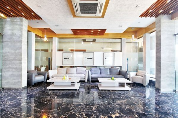 Palatial Private Home In India By Creative Design And Management Luxury Interior Design Residential Interior