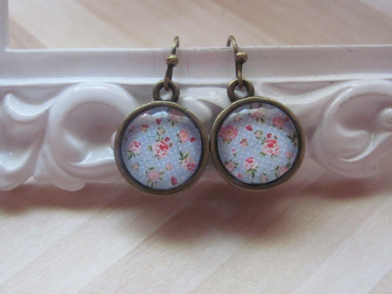 Picture earrings Glass cabochon earrings Light blue earrings Vintage style…