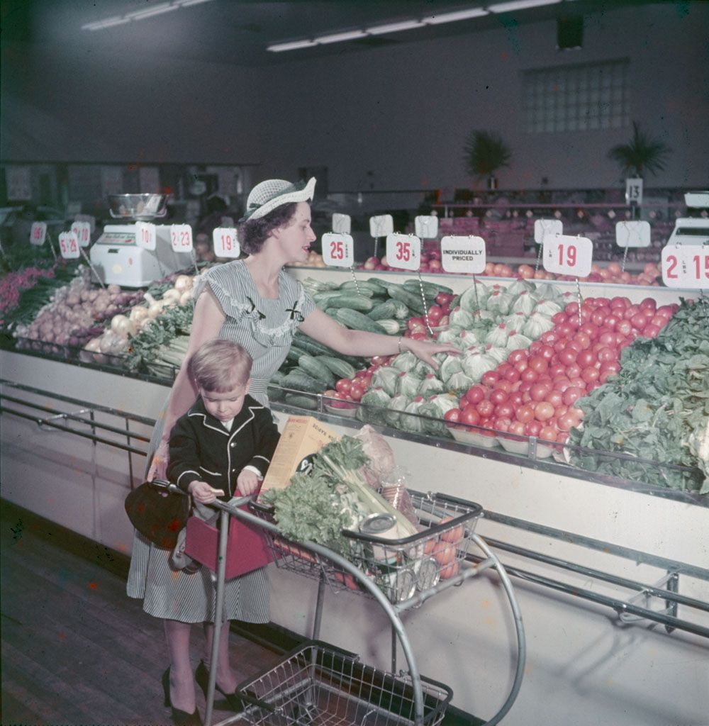 A Housewife And Her Son Shop In An Ottawa Chain Store 1949 Photo By A Beaver Credit Library And Archive Vintage Store Vintage Housewife Grocery Supermarket