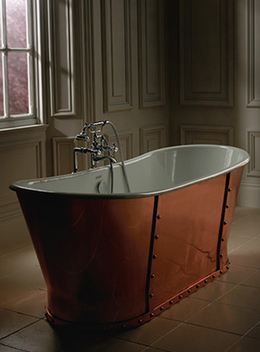 An elegant Imperial Bathrooms Baglioni Cobra bathtub.