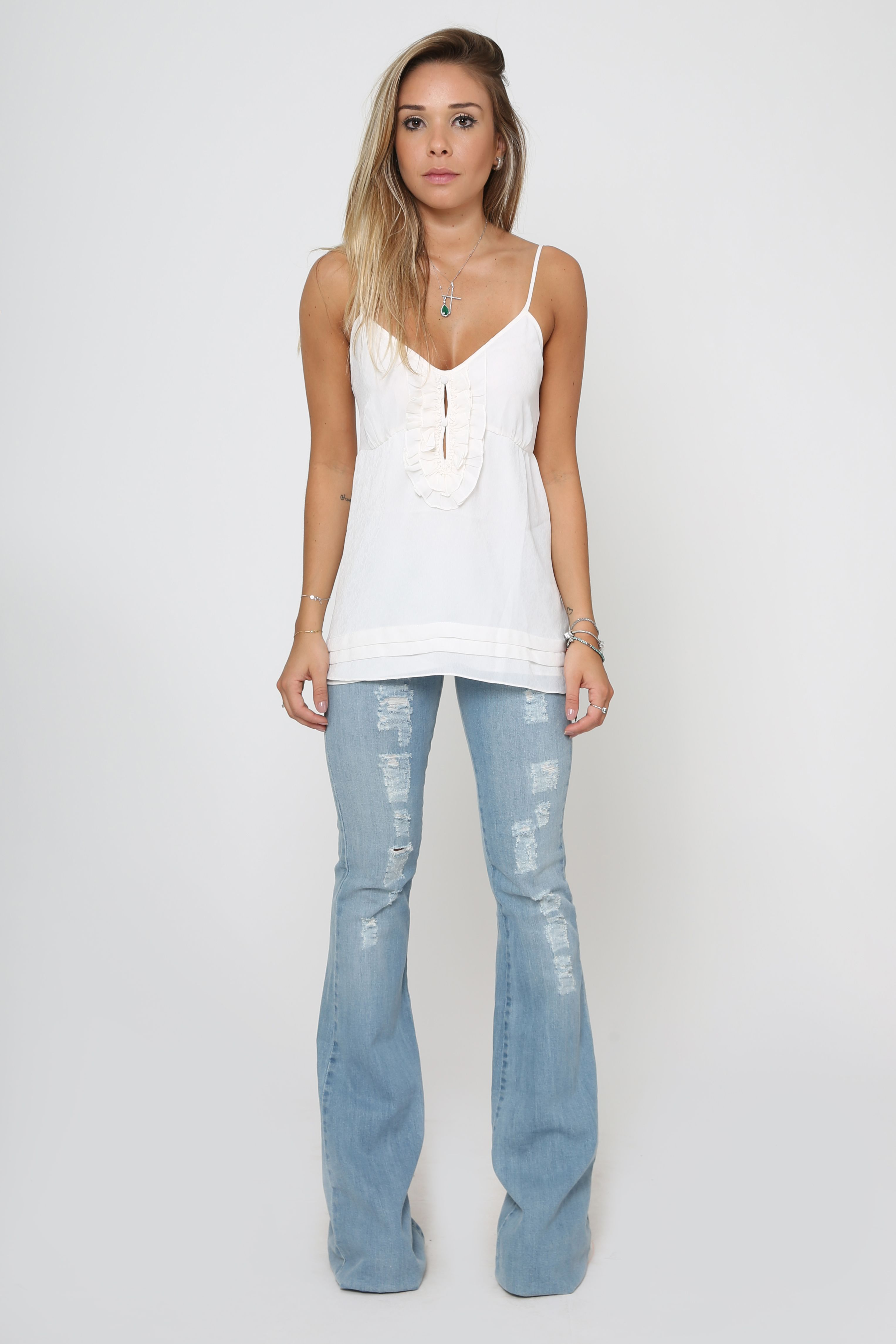 c68d30f0f CALÇA JEANS DESTROYED FLARE | My Style | Pinterest | Jeans, Pants and Flare  jeans