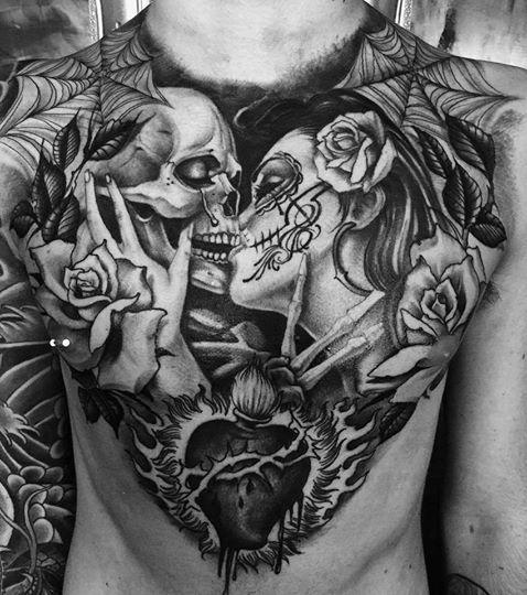 L Image Contient Peut Etre Une Personne Ou Plus Tatouage Realisme Tatouage Torse Tatouage Squelette