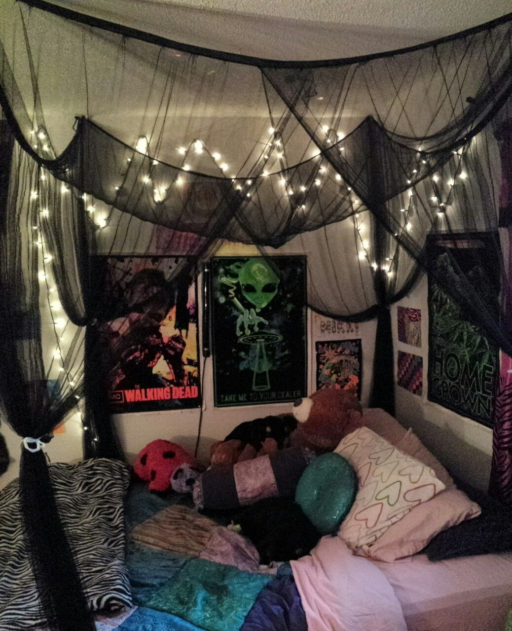 Image Result For Stoner Bedroom Tumblr Edgy Bedroom Grunge Bedroom Tumblr Rooms
