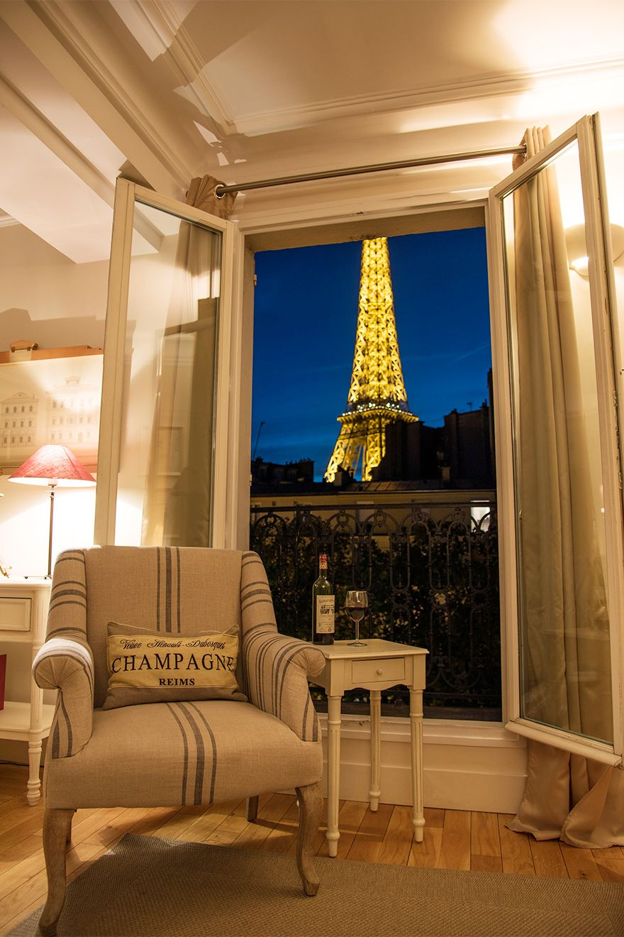 Rent Our 1 Bedroom Apartment Cabernet Located Near The Eiffel Tower On The Left Bank 7th Arrond Paris Apartment Rentals Paris Apartments One Bedroom Apartment