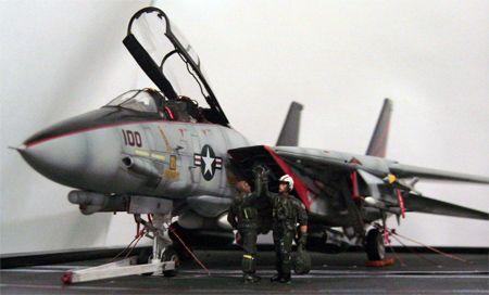 File:US Navy 021031-N-1810F-012 An F-14 ^ldquo,Tomcat^rdquo ...