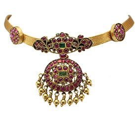 BURMESE RUBIES AND EMERALD PENDANT AND MOGAPPU NECKLACE