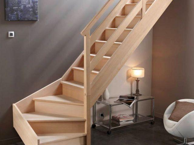 15 Idees Pour Amenager L Espace Sous L Escalier Escalier Quart Tournant Escalier Bois Escalier Flottant