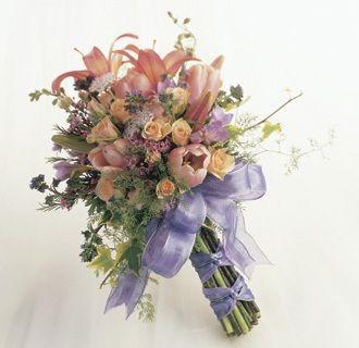 Hand Tied Wedding Bouquet From Flower Arrangement Advisor Love This Style