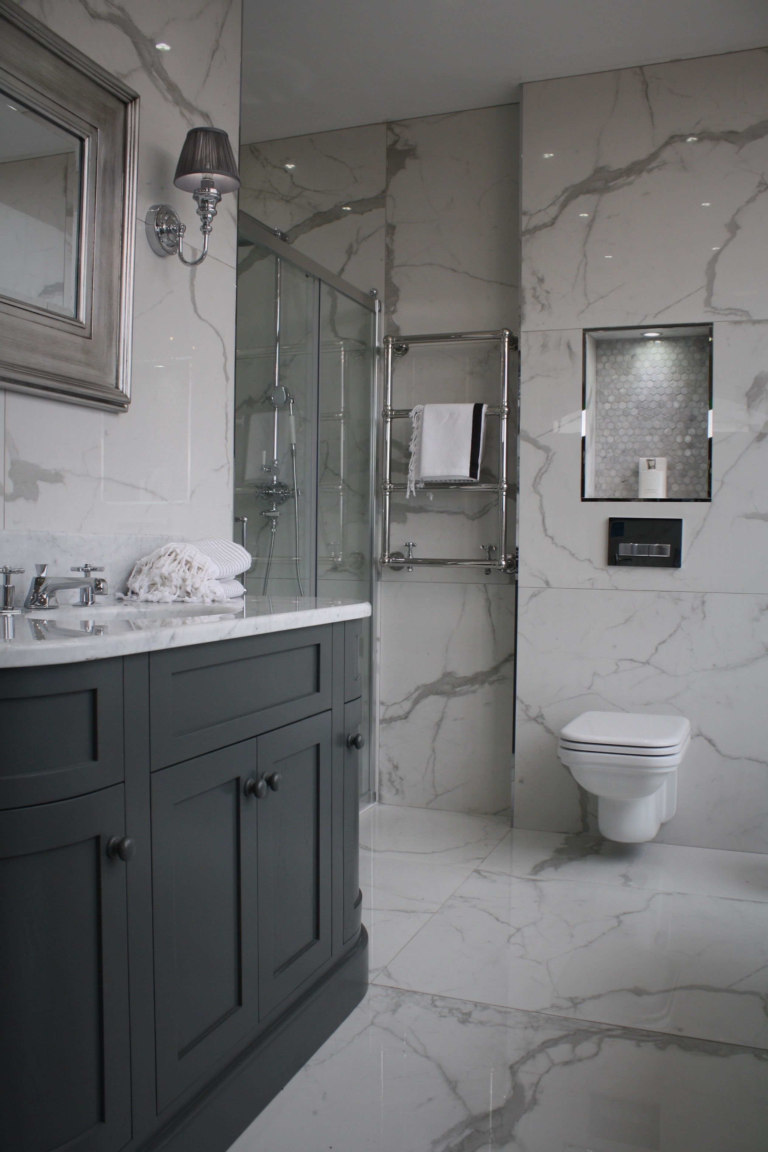 Need Bathroom Inspiration? Visit our stunning 20,000 ...