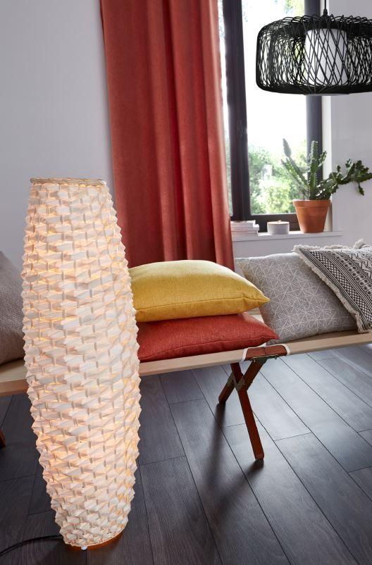 tressage et design ethnique pour ce lampadaire exotique il prendra facilement place dans le. Black Bedroom Furniture Sets. Home Design Ideas