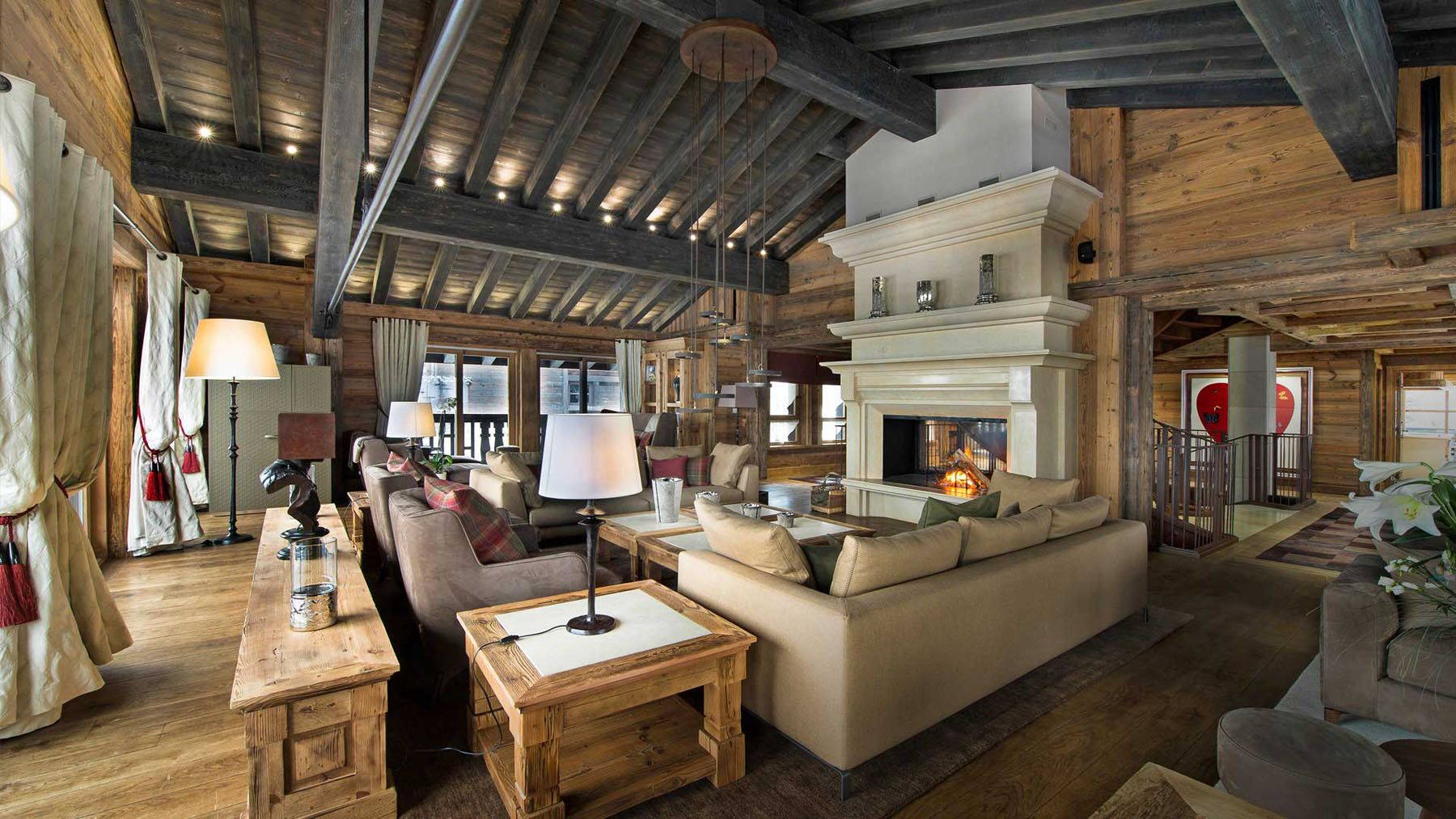 Chalet edelweiss located at the courchevel ski resort in for Ski design hotel