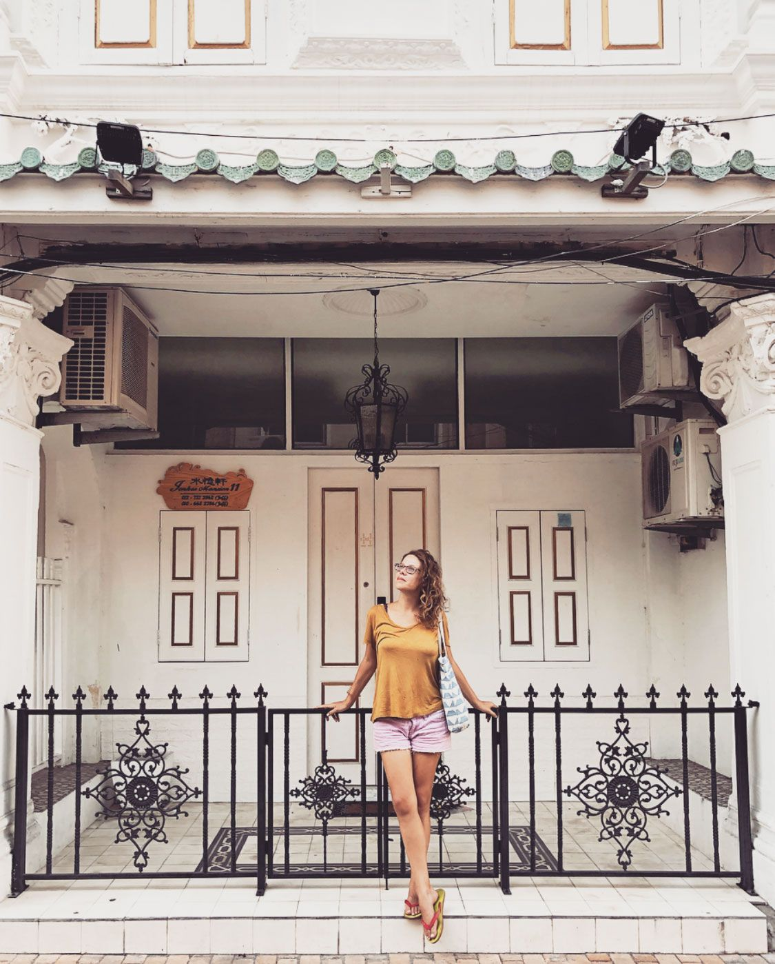 One Hundred Year Old Facades Of Chinatown Are Waiting For Those Who Love A Rustic Vibe And Loads Of Intricate And Colorful Details Vintage Coffee Shops Top 10 Instagram Malacca Malaysia