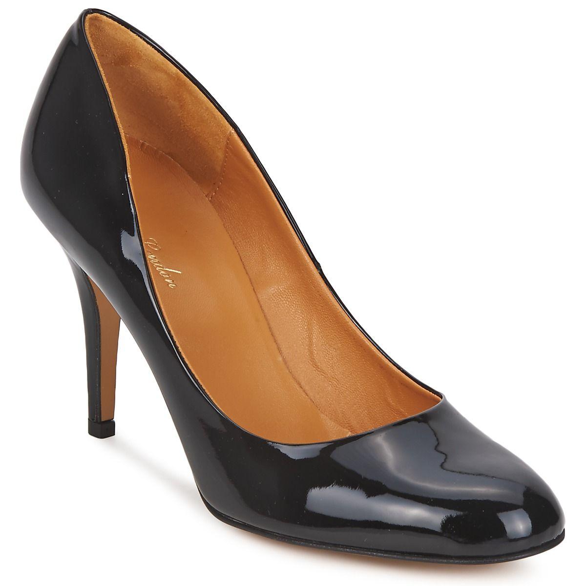 Zapatos de tacón de cuero y charol de la marca Betty London con un diseño muy femenino, para un toque sobrio y elegante.  #tacones #charol #zapatos #mujer