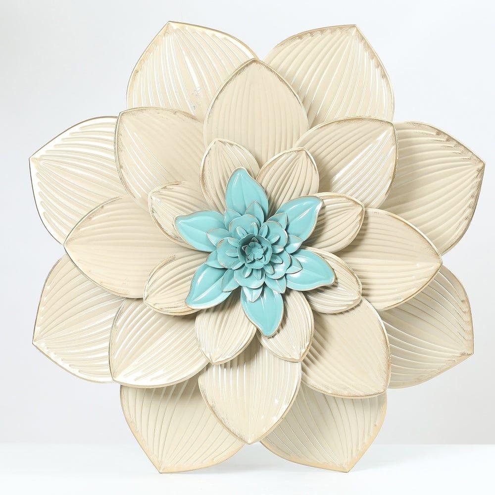 Pin On Tin Flowers