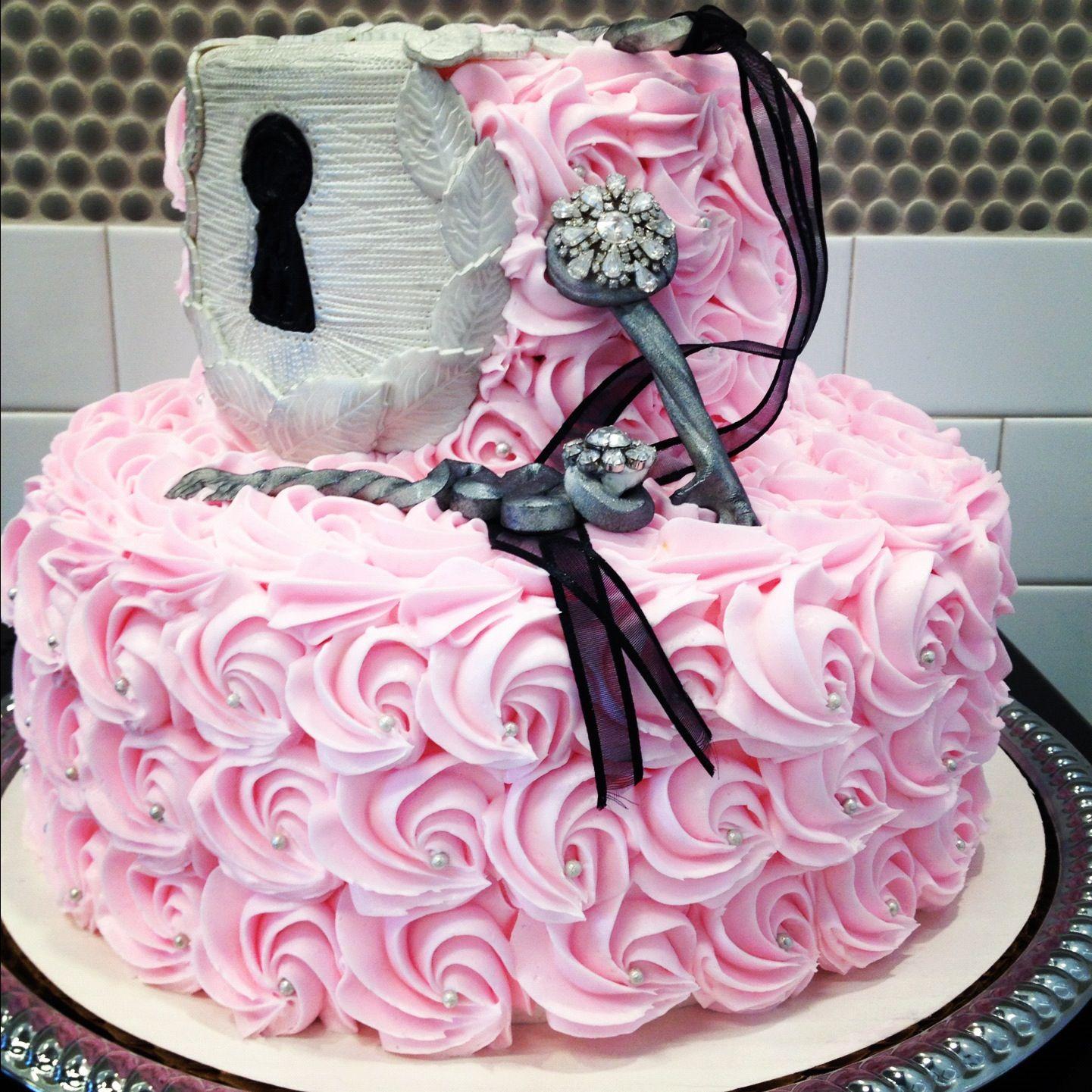 Lock and key cake 21st cake, Cake design, Cake decorating