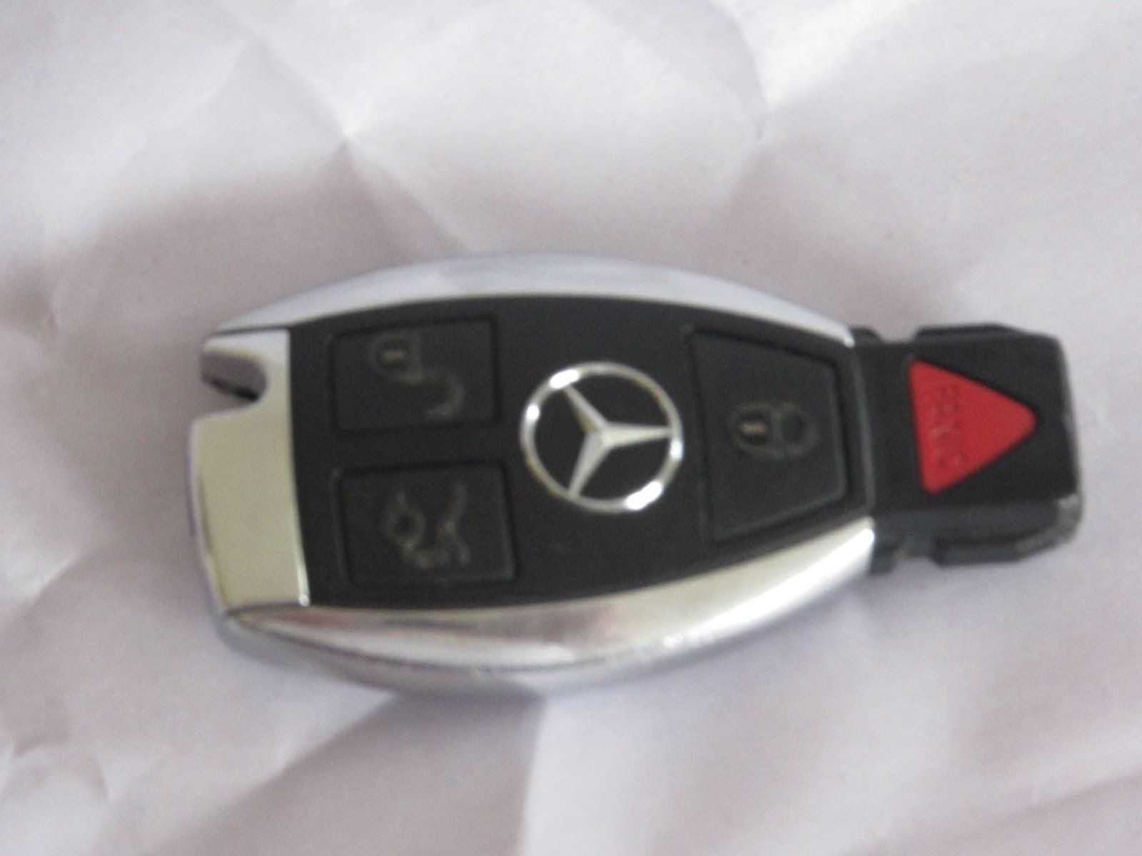 Cool How to change battery - Mercedes Benz Keyfob Battery