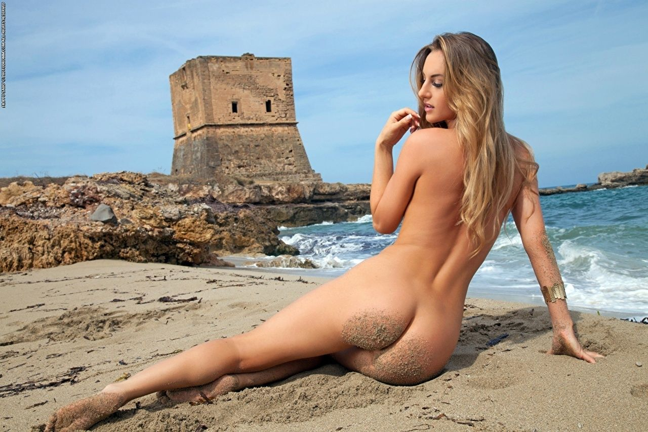 nude beach blondes