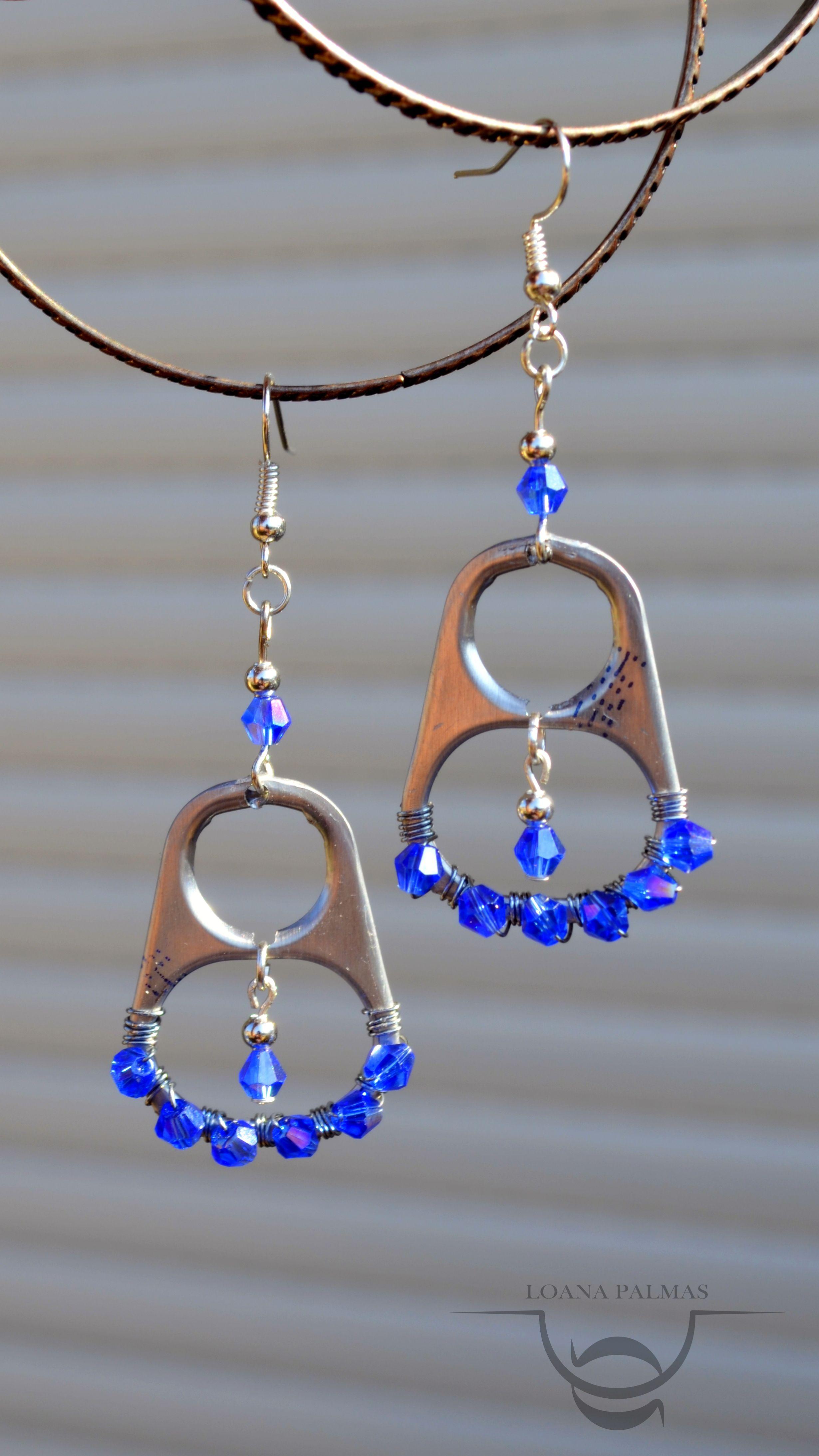 65b6085b35b2 Aretes de fichas con rombo azul