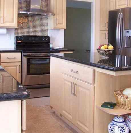 granite countertops with light maple cabinets | Light ... on Light Maple Cabinets With Black Countertops  id=29671