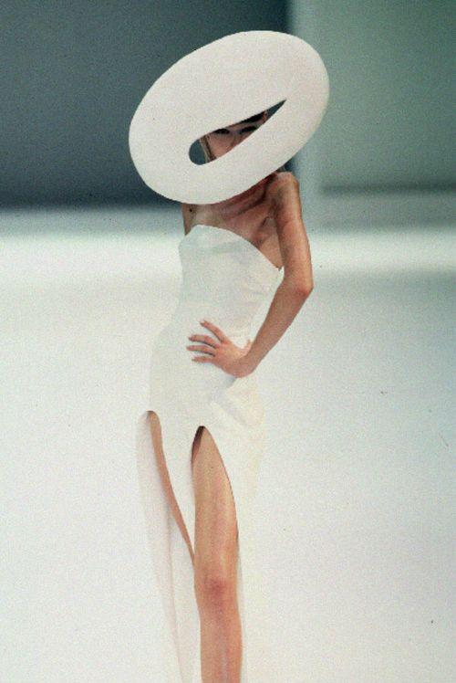 sexrova: Thierry Mugler Spring 1999